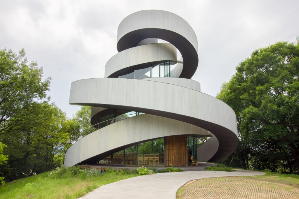 尾道 リボンチャペルの建築
