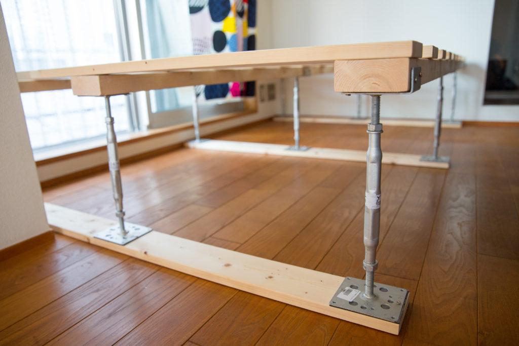 DIYでベッドフレームを作る 鋼製束と2×4