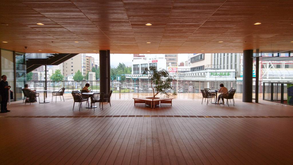 周南市立徳山駅前図書館 テラス 2F