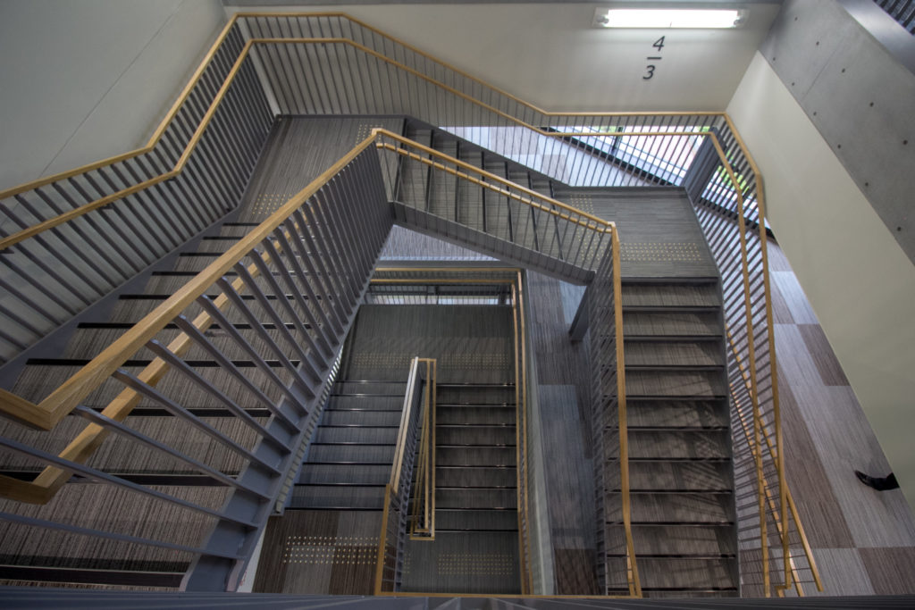 長崎県庁 階段