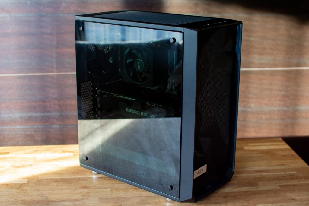 AMD Ryzen 3700X 自作PC 完成